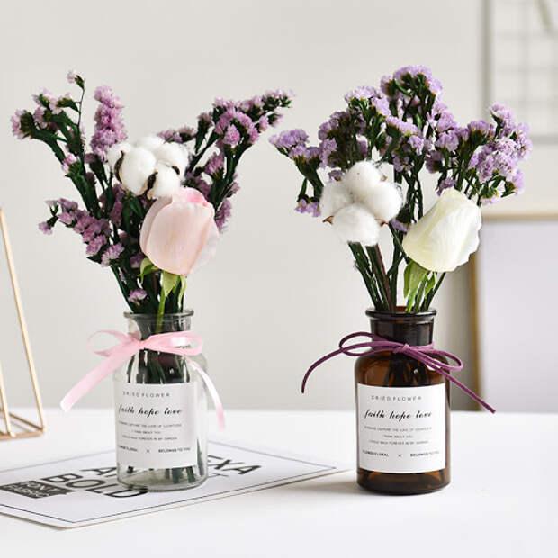 сухие цветы в вазе