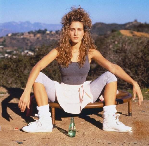 Такими мы их не видели: 33 дурацких и просто неудачных студийных фото голливудских звезд 90-х