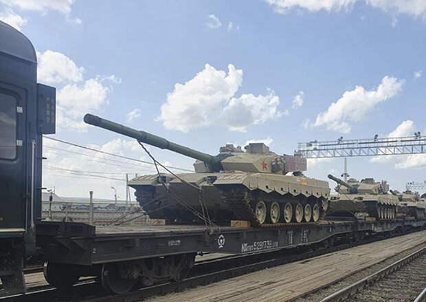 Эшелон с военной техникой НОАК, задействованной в АрМИ-2021, пересёк российско-китайскую границу