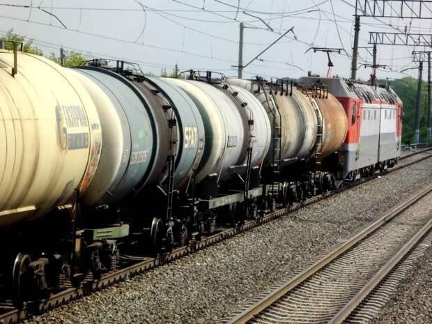 Россия поставила Украине первые 20 тыс тонн дизеля по новому каналу