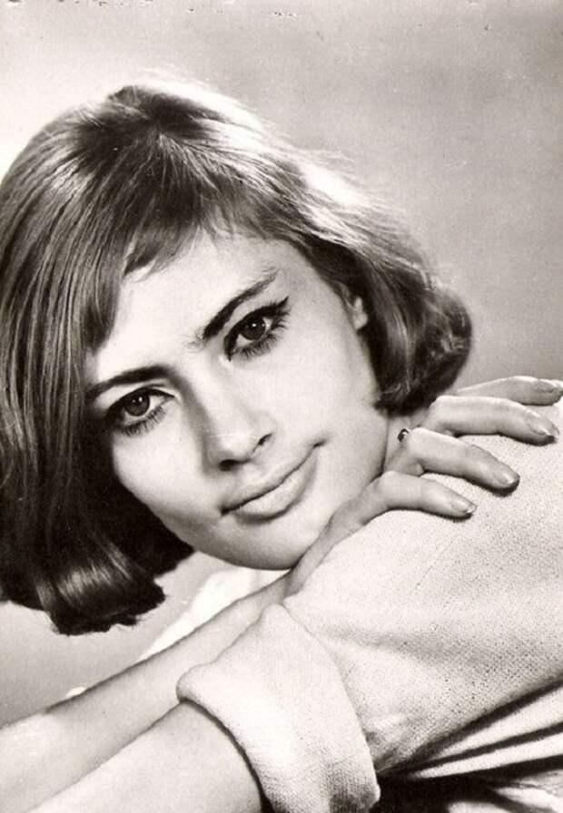 25 советских и российских актрис, которые одним взглядом сводили мужчин с ума