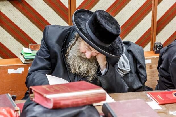 COVID-19: Израиль ввёл тотальный карантин