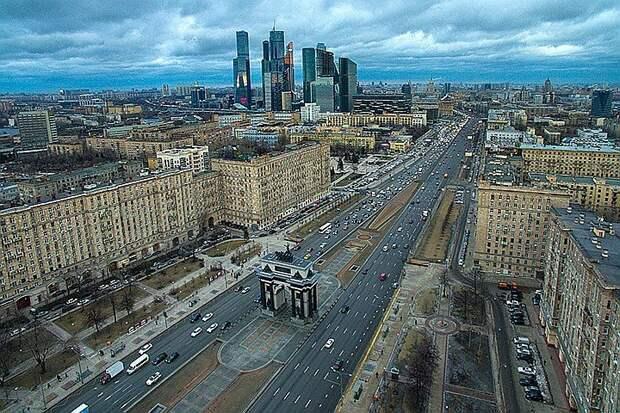 Реконструкция улицы Барклая в Москве завершится в середине 2022 года