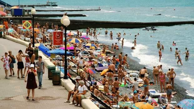 Мясников предупредил об опасных инфекциях на курортах РФ