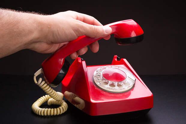 Россиян призвали не отказываться от домашнего телефона