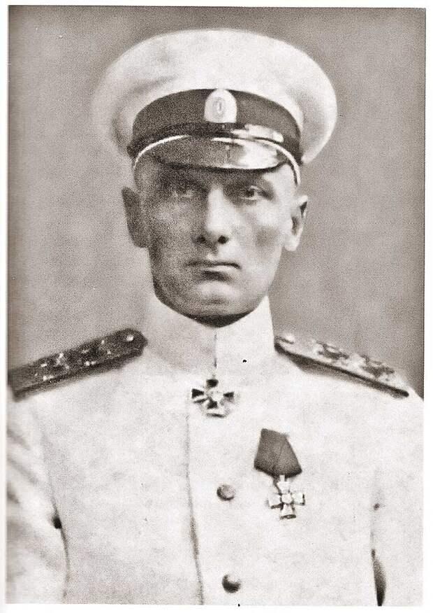 Большевиков, которые желали царскому правительству поражения в войне, а потом заключили мир с немцами, Колчак считал предателями. Фото: ru.wikipedia.org