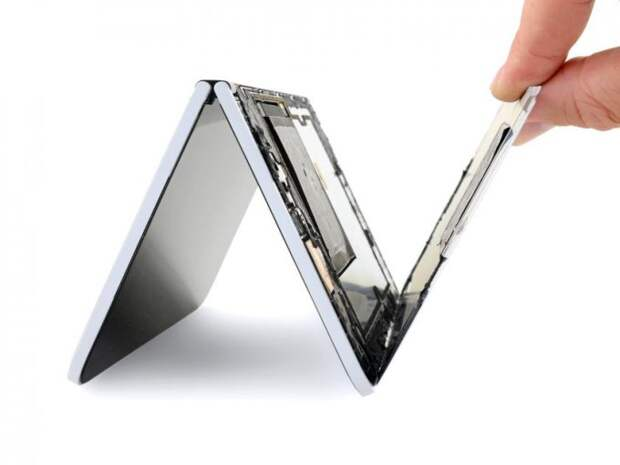Смартфон Microsoft Surface Duo признан одноразовым