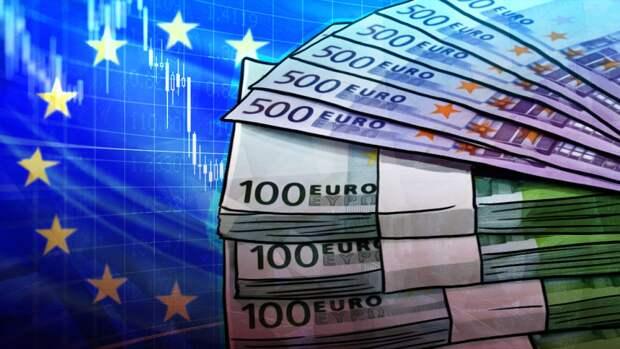 Российские банки получили рекордный объем наличных евро за год