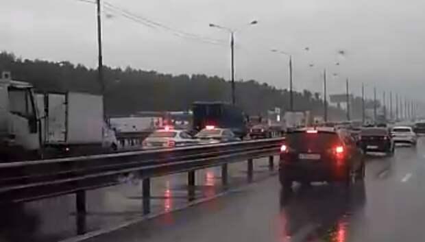 Мотоциклист разбился насмерть в Подольске во время ливня