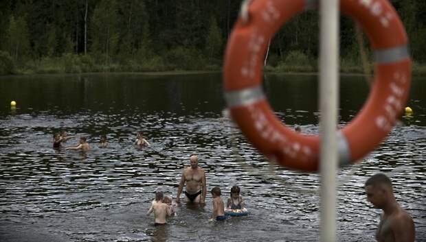 Спасатели призвали жителей Подмосковья дождаться официального старта купального сезона