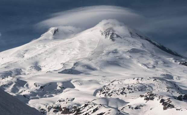 Умер один из пропавших на Эльбрусе альпинистов