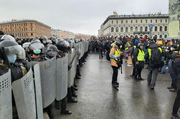 В Санкт-Петербурге на акции протеста задержали несколько журналистов