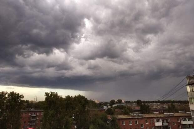 Желтый уровень погодной опасности объявлен в Москве из-за грозы и ветра