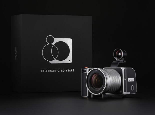 Hasselblad отмечает 80-летие выпуском юбилейного комплекта стоимостью 15 500 евро