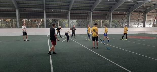 Команда из Бутырского стала победителем в окружных соревнованиях по флорболу