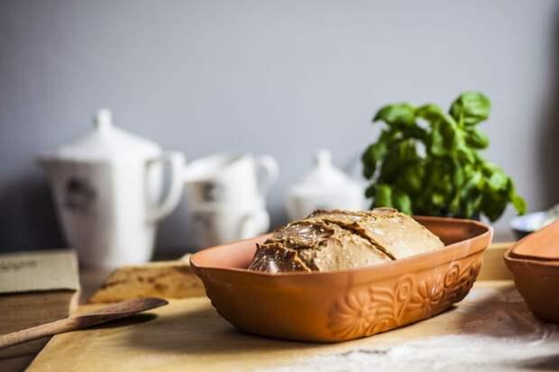 2-римский-горшок-хранить-хлеб Как сохранить хлеб свежим? 7 лайфхаков