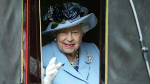 У британской королевы найден зелёный скелет в шкафу