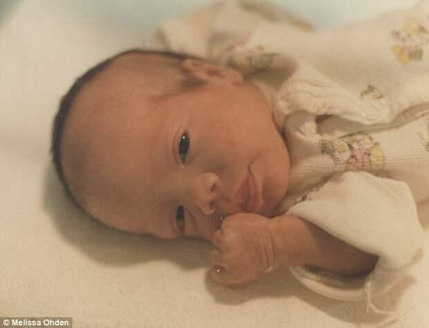 Невероятная история Мелиссы Оден, которая выжила после аборта, нашла и простила своюмать