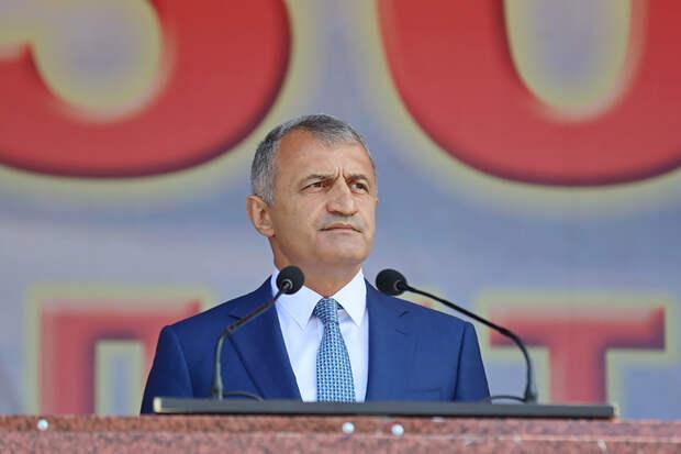 Главы Южной Осетии и Хакасии заразились коронавирусом