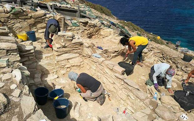 Раскопки на Даскалио начались в 2015 году.
