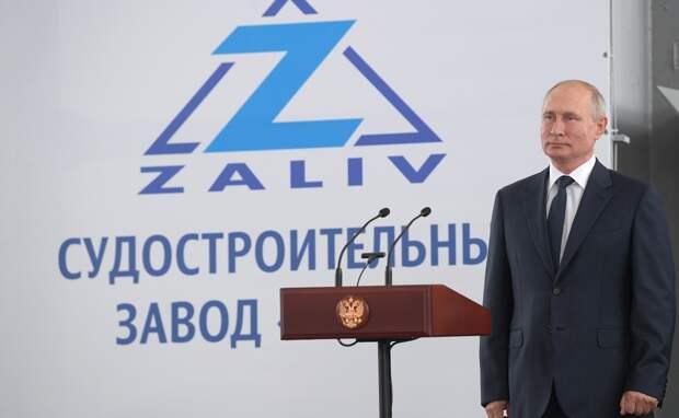 Путин заложил в Крыму новые корабли без Аксенова