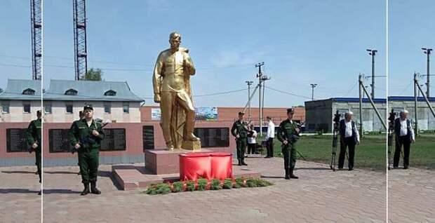 В Омской области торжестенно захоронили останки солдата Красной Армии