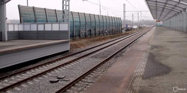 Движение через железнодорожный переезд на Двинцев перекроют