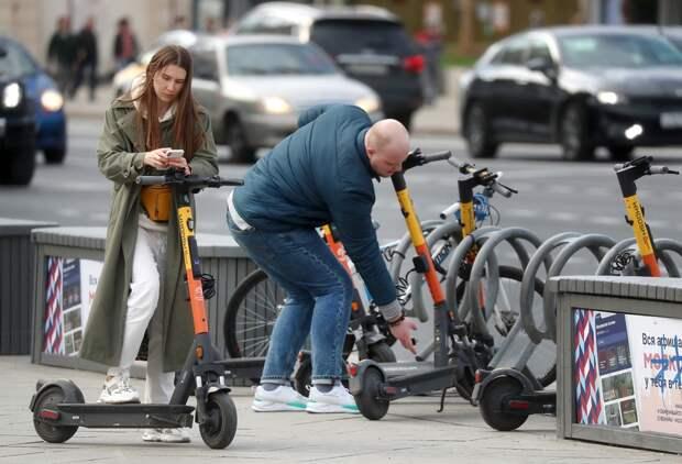 Минтранс приравняет россиян на роликах и самокатах к пешеходам