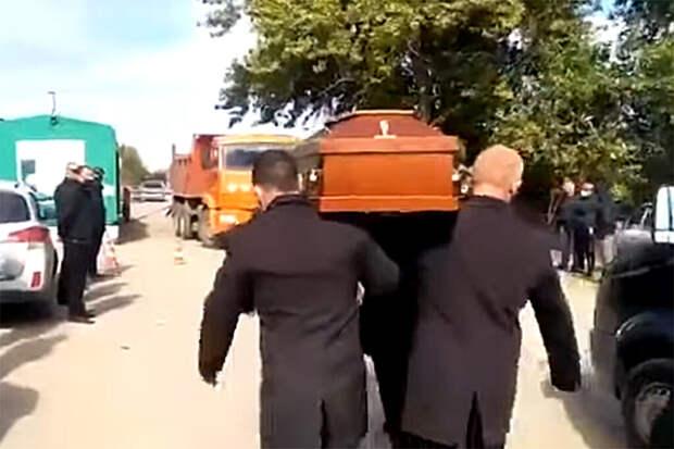 В Волгограде споры «хозяйствующих субъектов» превратились в войны с катафалками