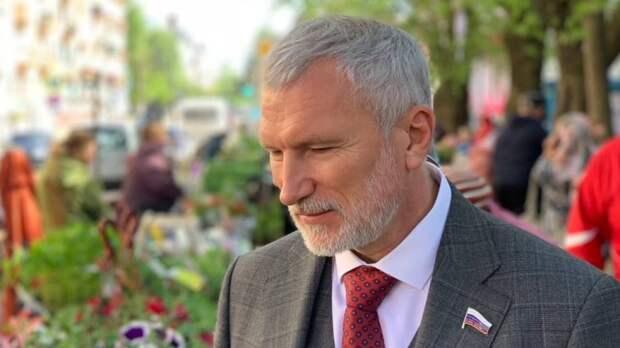 """""""Надо действовать"""": Журавлев поддержал новгородцев в стремлении решать проблемы через суд"""