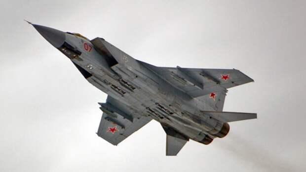 Российские перехватчики МиГ-31БМ вооружат ракетами малой дальности Р-74М
