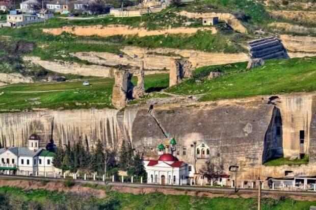 Так это место смотрится с высоты птичьего полёта. /Фото:putidorogi-nn.ru