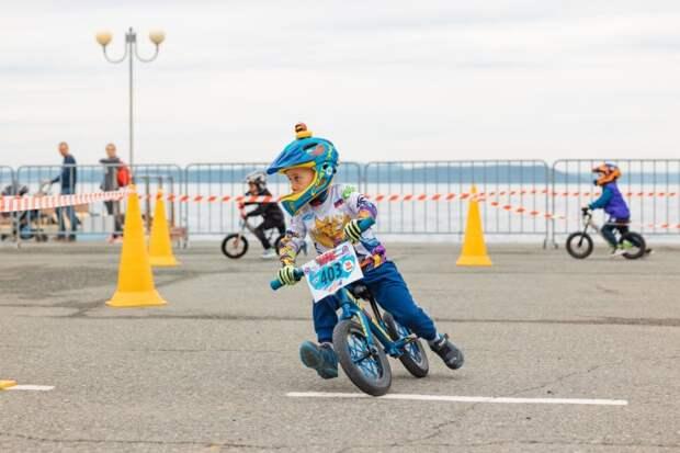 Малыши-беговелгонщики из Уссурийска вернулись с медалями с соревнований во Владивостоке