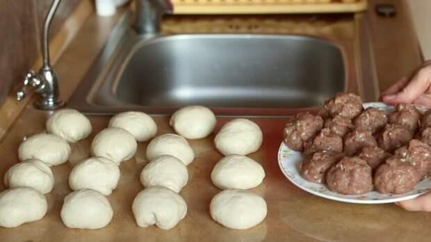 Беляши с мясом (Перемячи) с хрустящей корочкой на дрожжевом тесте