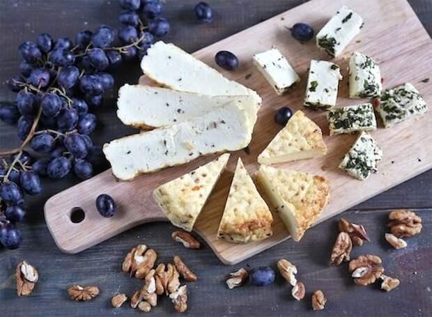 С чем и как правильно есть мягкий сыр?