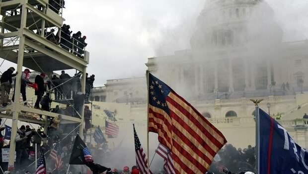 Либералы осудили майдан в США