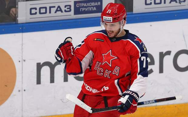 Команды НХЛ интересуются нападающим ЦСКА Окуловым