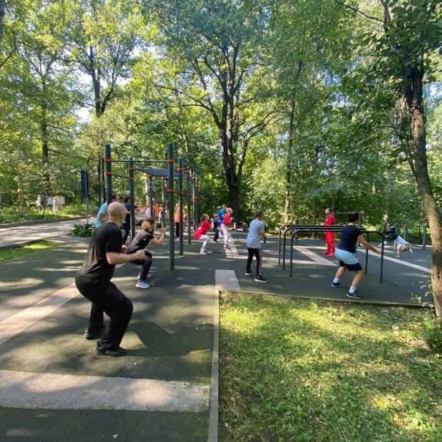 Лианозовский парк пригласил жителей района разных возрастов на спортивные выходные