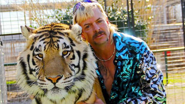 """""""Король тигров"""" Джо Экзотик заявил, что у него рак"""