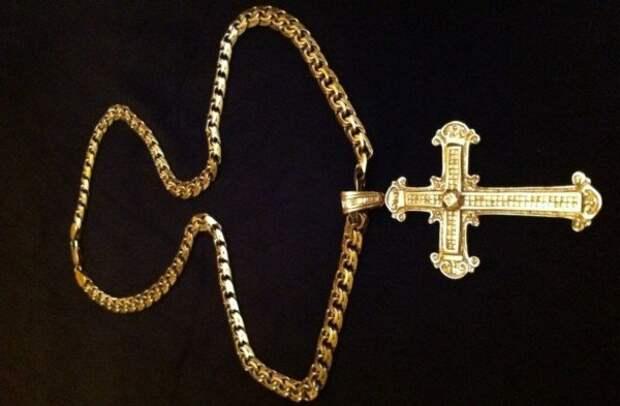 Лихие 90-е : почему все бандиты носили золотые цепи?