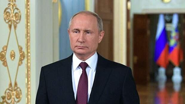 Путин призвал работать, а не искать преемников