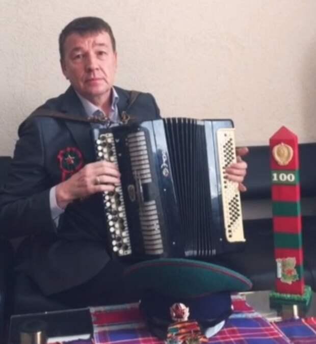 Министр культуры Удмуртии  спел песню для пограничников