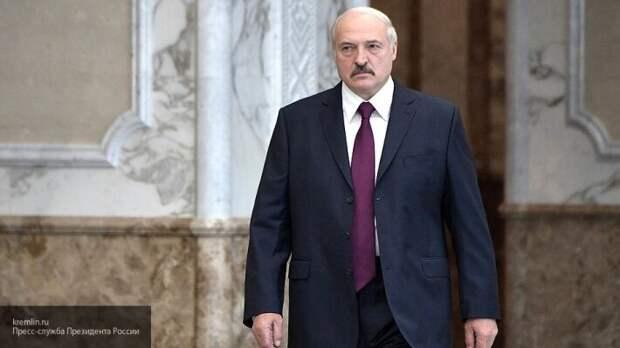 Суздальцев рассказал, почему Москва не хочет раскрывать Беларуси тайны ракетостроения