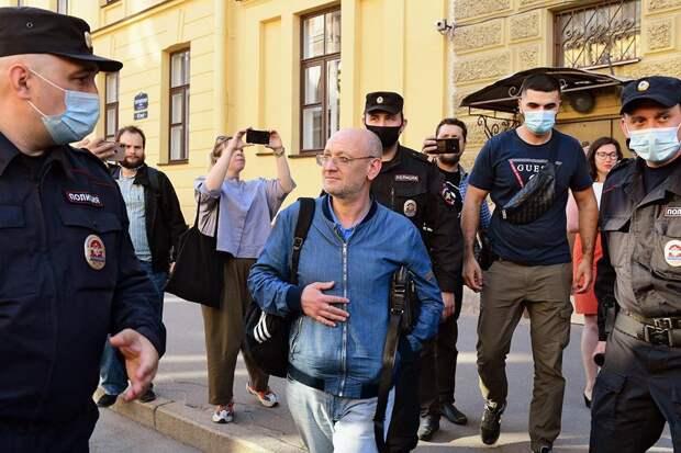 Суд отправил под домашний арест депутата Резника
