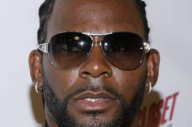Певца R. Kelly признали виновным в домогательствах и торговле людьми