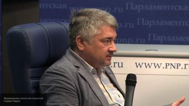 Ищенко объяснил, за счет чего продолжает существовать Украина