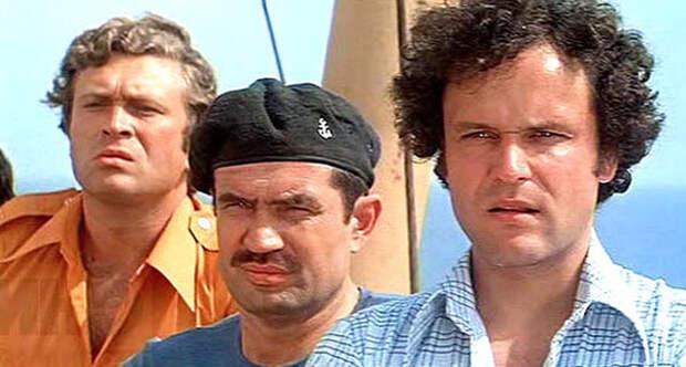 """кадр из фильма """"Пираты XX века"""""""