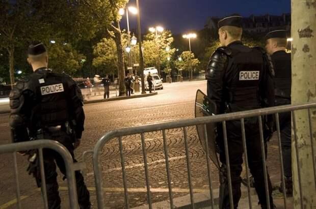 Полиция применила слезоточивый газ для разгона протестующих в Ницце