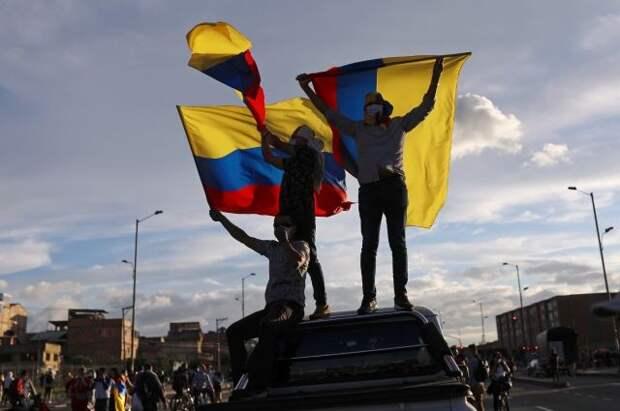 Посольство отвергло заявления о «причастности» РФ к протестам в Колумбии