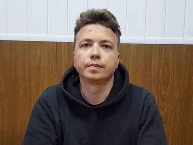 Белорусский телеканал ОНТ опубликовал новые кадры с допроса Романа Протасевича